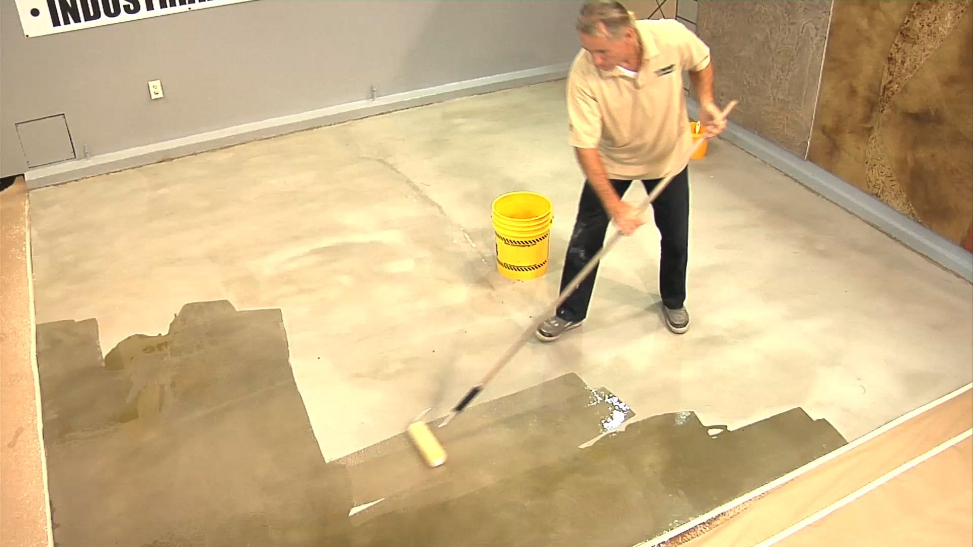 Lifetime epoxy decorative concrete flooring primer for Best product to clean garage floor